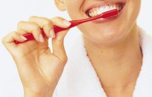 Как правильно чистить зубы?
